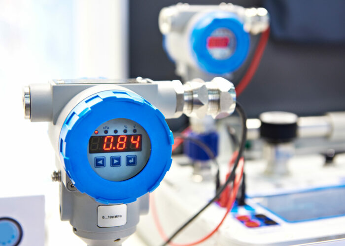 Pressure sensor for portable calibrator